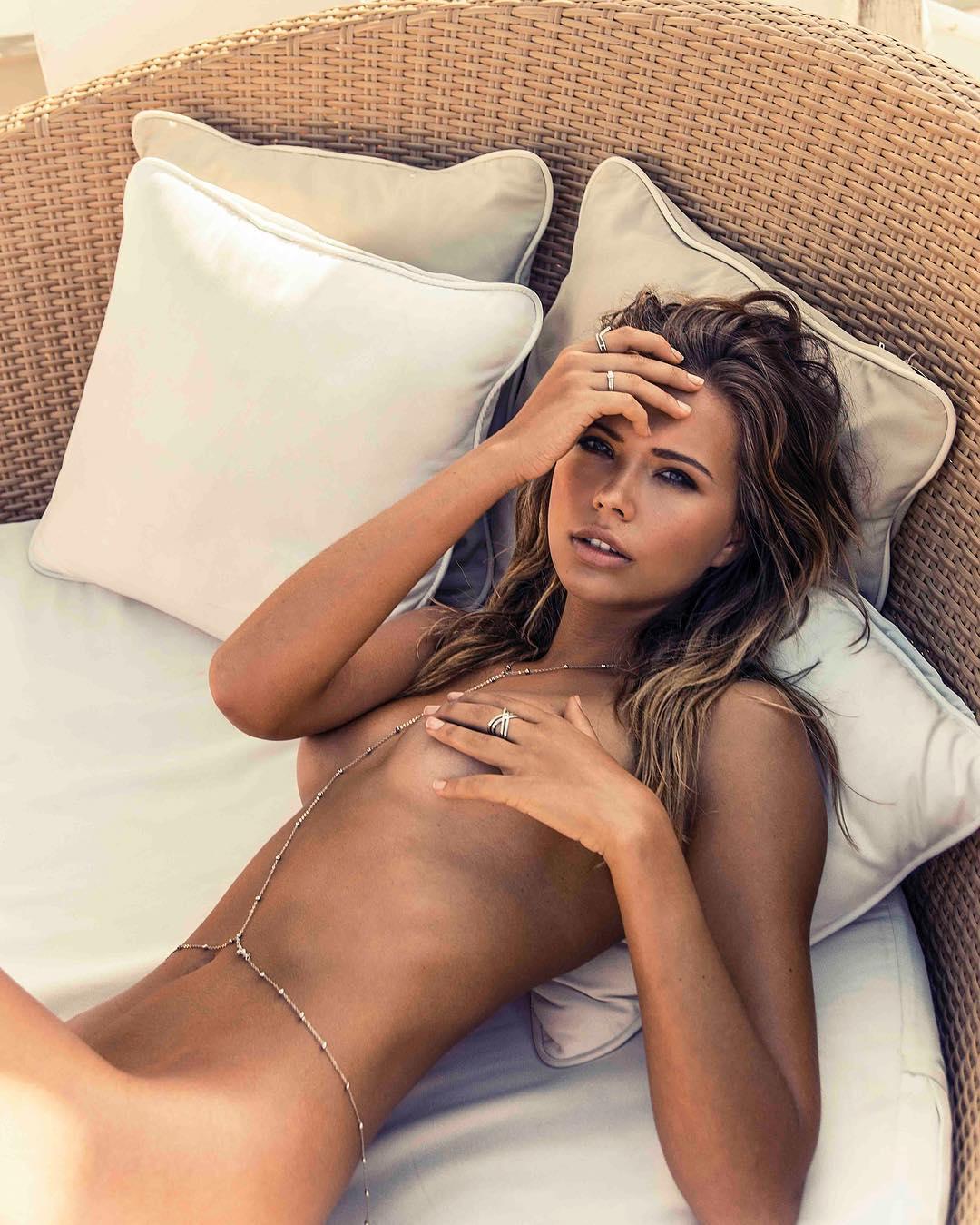fotografias-de-sandra-kubicka-desnuda-xxx-famosas-desnudas-clebrity-topless-fotos-roobadas-xxx-videos-porno-follando-descuidos-hackers-8